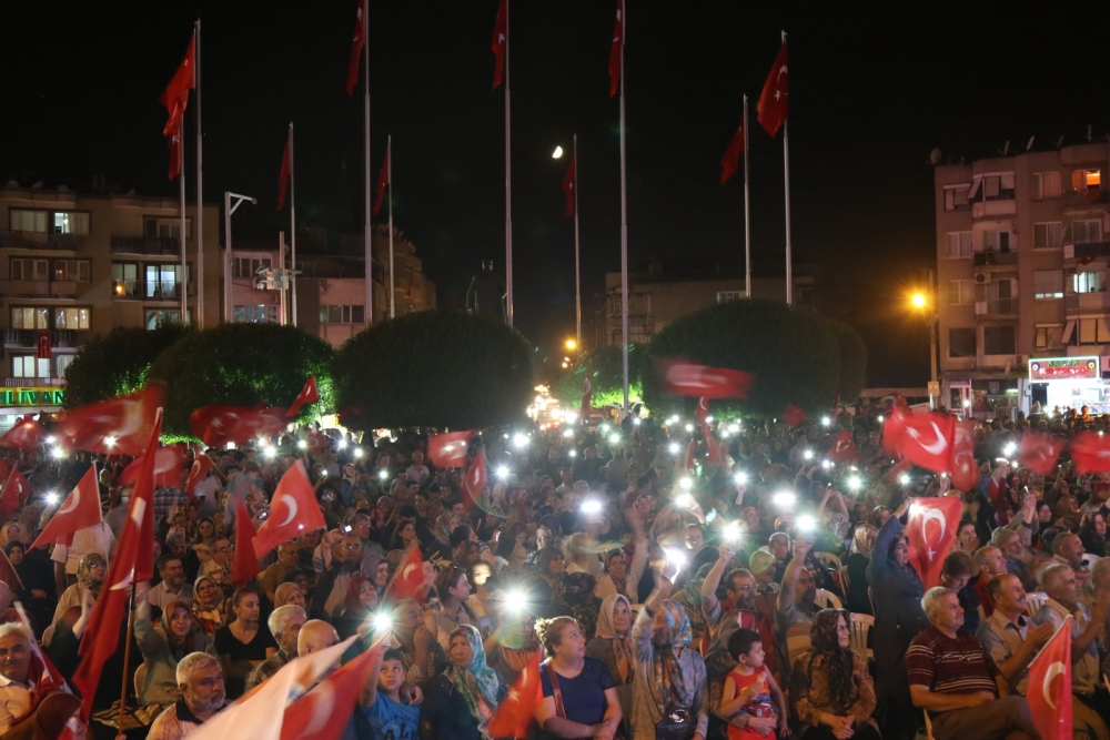 Fotoğraflarla Akhisar'daki demokrasi nöbetinin son günü galerisi resim 4