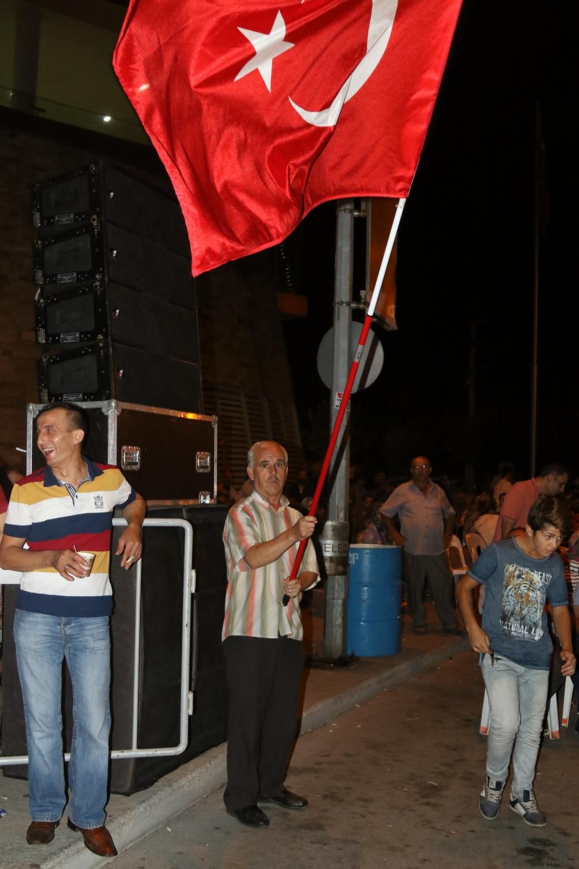 Fotoğraflarla Akhisar'daki demokrasi nöbetinin son günü galerisi resim 40