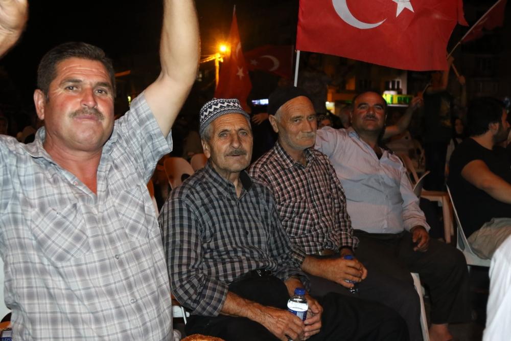 Fotoğraflarla Akhisar'daki demokrasi nöbetinin son günü 43
