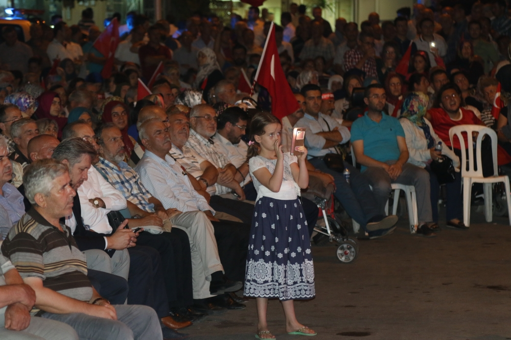 Fotoğraflarla Akhisar'daki demokrasi nöbetinin son günü 5