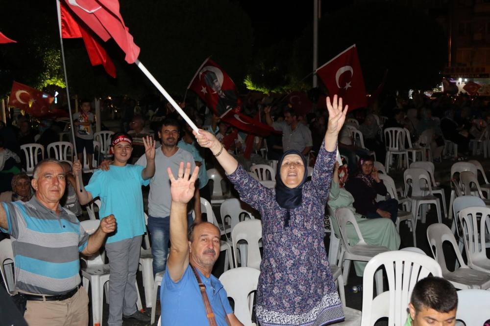 Fotoğraflarla Akhisar'daki demokrasi nöbetinin son günü galerisi resim 51