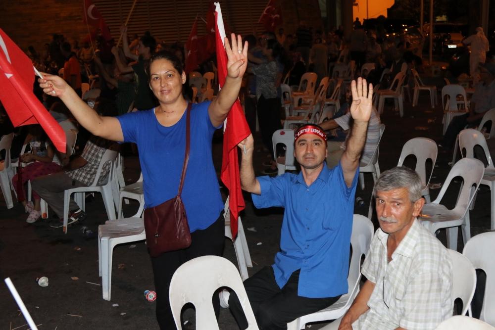Fotoğraflarla Akhisar'daki demokrasi nöbetinin son günü 55