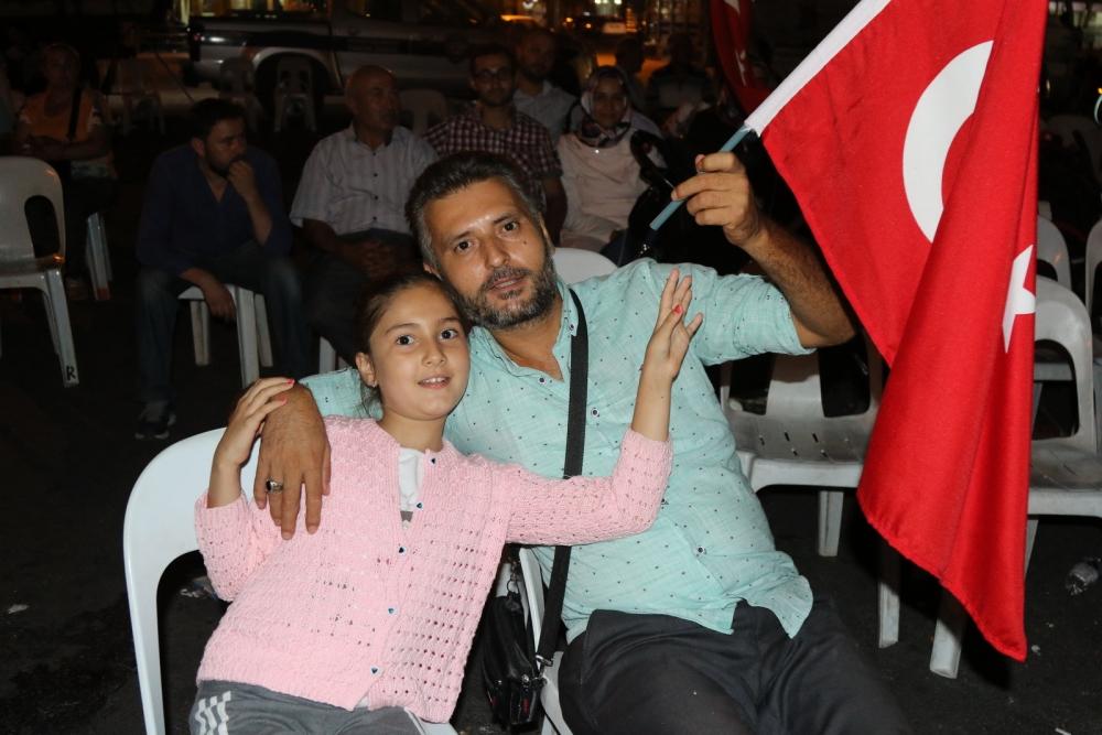 Fotoğraflarla Akhisar'daki demokrasi nöbetinin son günü 56