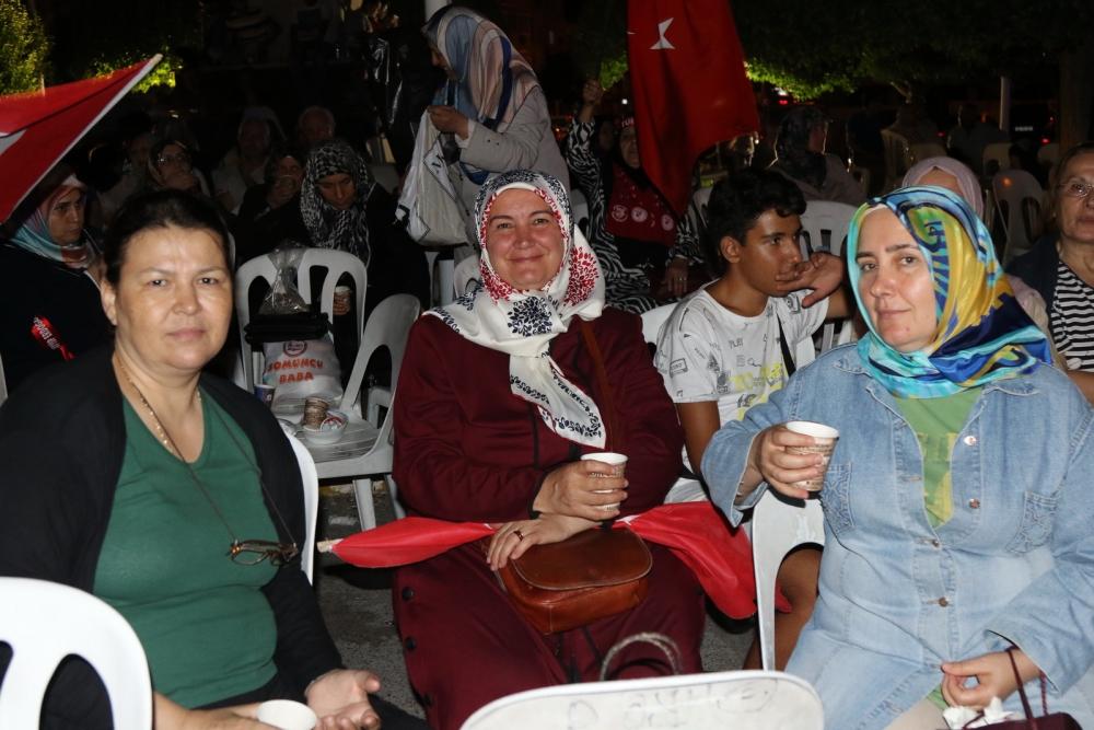 Fotoğraflarla Akhisar'daki demokrasi nöbetinin son günü 57