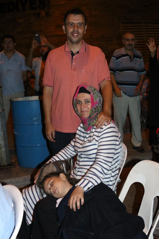 Fotoğraflarla Akhisar'daki demokrasi nöbetinin son günü 59