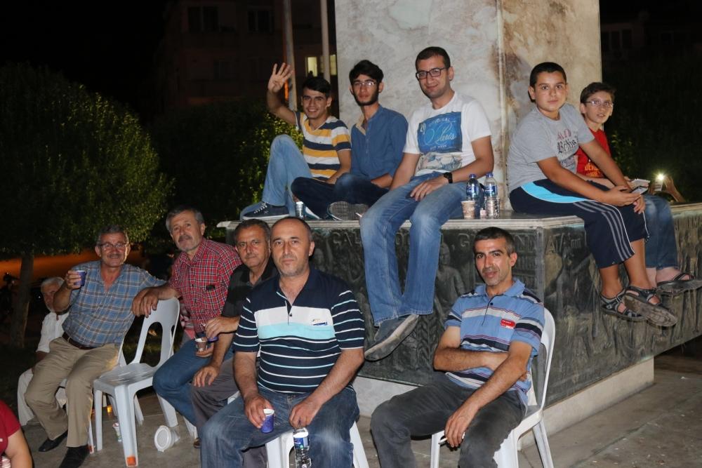 Fotoğraflarla Akhisar'daki demokrasi nöbetinin son günü galerisi resim 64