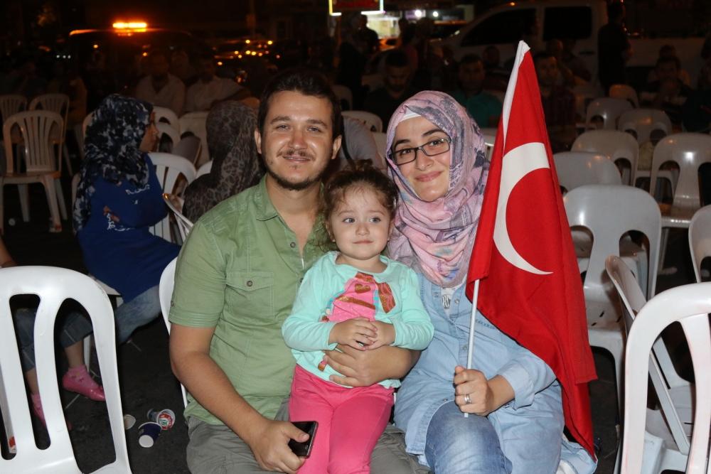 Fotoğraflarla Akhisar'daki demokrasi nöbetinin son günü galerisi resim 65