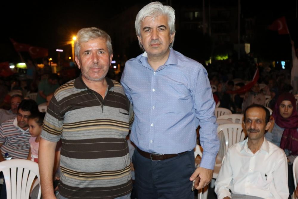 Fotoğraflarla Akhisar'daki demokrasi nöbetinin son günü 73