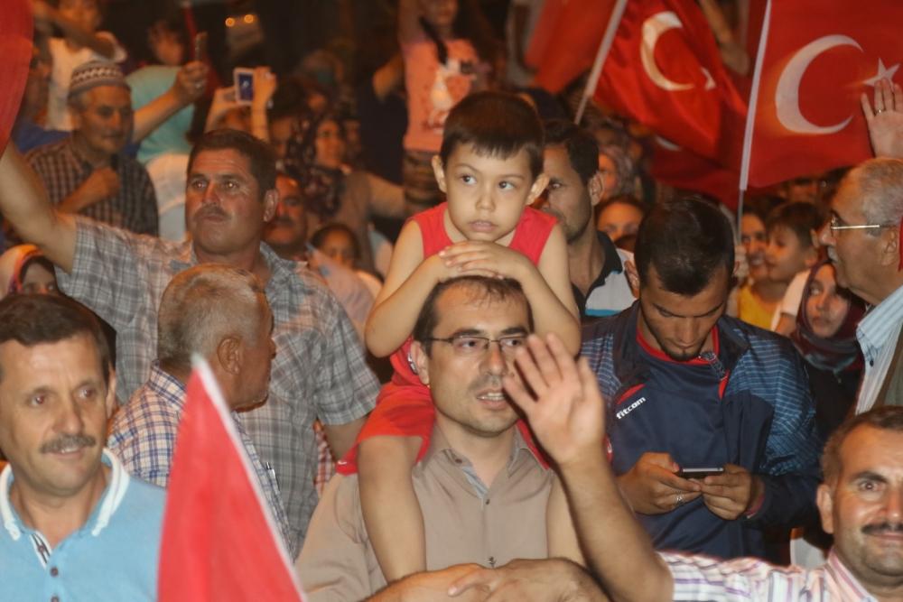 Fotoğraflarla Akhisar'daki demokrasi nöbetinin son günü galerisi resim 8
