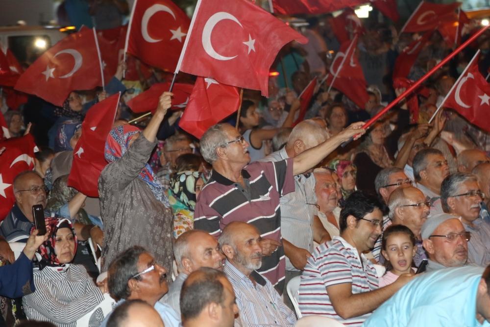 Fotoğraflarla Akhisar'daki demokrasi nöbetinin son günü 9