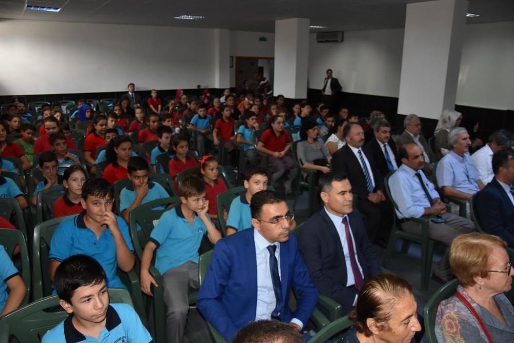 Fotoğraflarla Akhisar'da kutlanan ilköğretim haftası programı 39