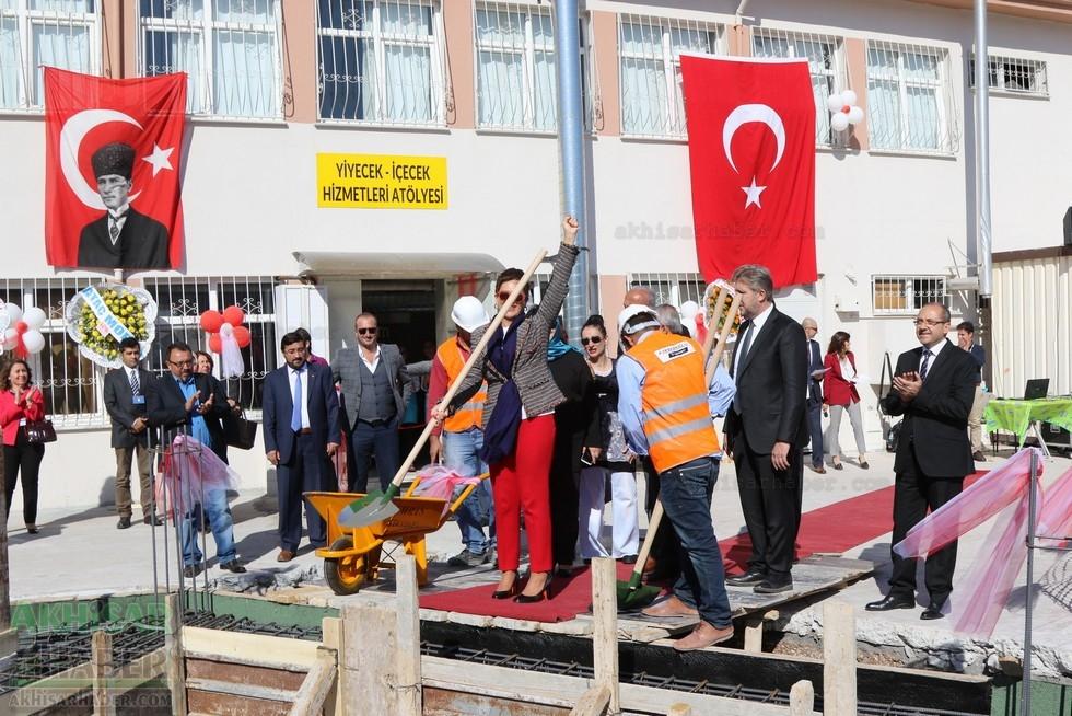 Fotoğraflarla Z.G.Ö. Kız Meslek Anadolu Lisesi Akıllı Spor Salonu Temel 1