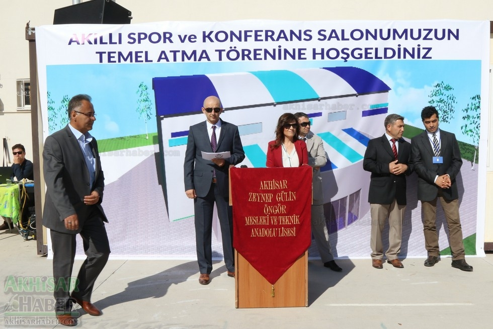 Fotoğraflarla Z.G.Ö. Kız Meslek Anadolu Lisesi Akıllı Spor Salonu Temel 17