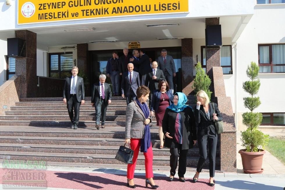 Fotoğraflarla Z.G.Ö. Kız Meslek Anadolu Lisesi Akıllı Spor Salonu Temel 2