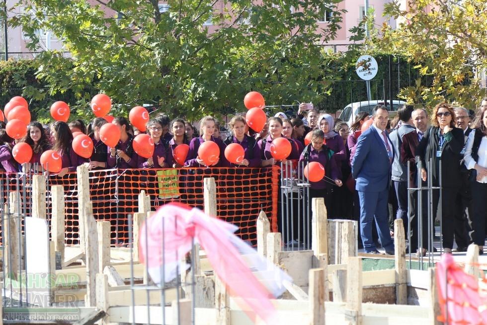Fotoğraflarla Z.G.Ö. Kız Meslek Anadolu Lisesi Akıllı Spor Salonu Temel 27
