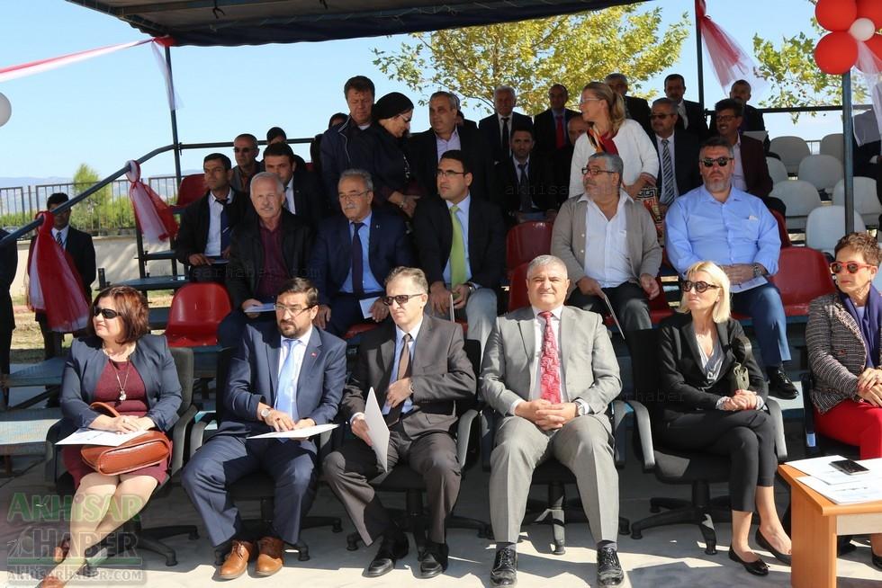 Fotoğraflarla Z.G.Ö. Kız Meslek Anadolu Lisesi Akıllı Spor Salonu Temel 36