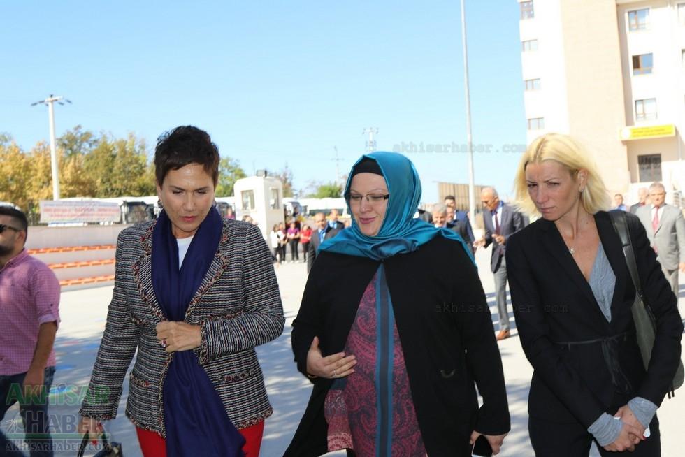 Fotoğraflarla Z.G.Ö. Kız Meslek Anadolu Lisesi Akıllı Spor Salonu Temel 4