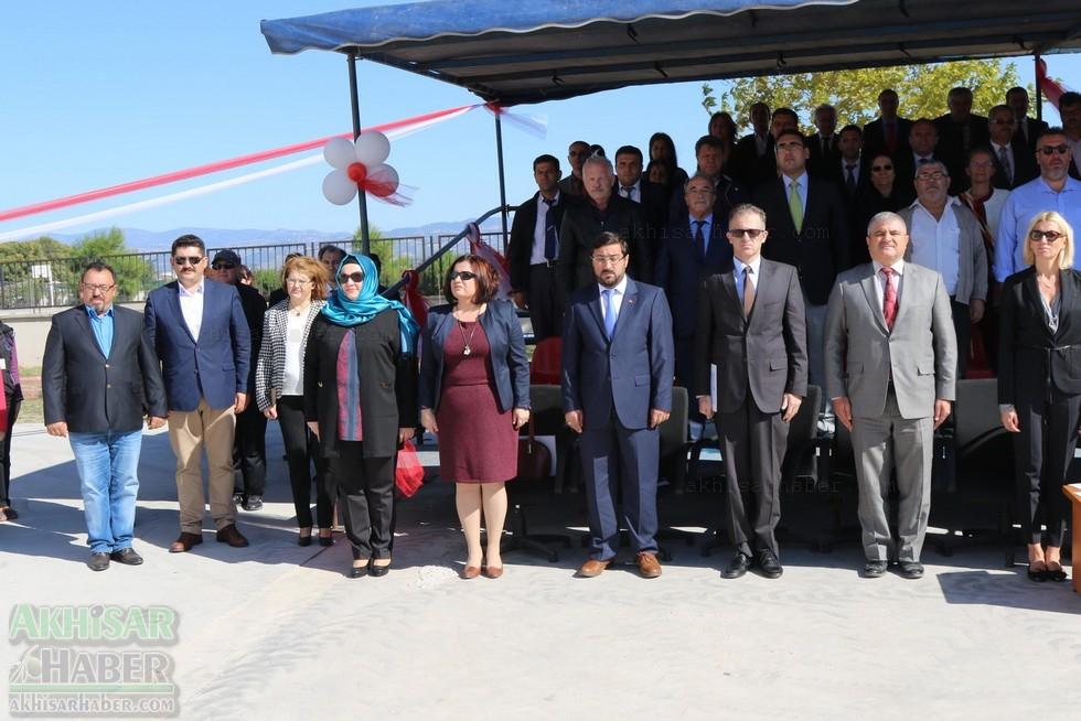 Fotoğraflarla Z.G.Ö. Kız Meslek Anadolu Lisesi Akıllı Spor Salonu Temel 40