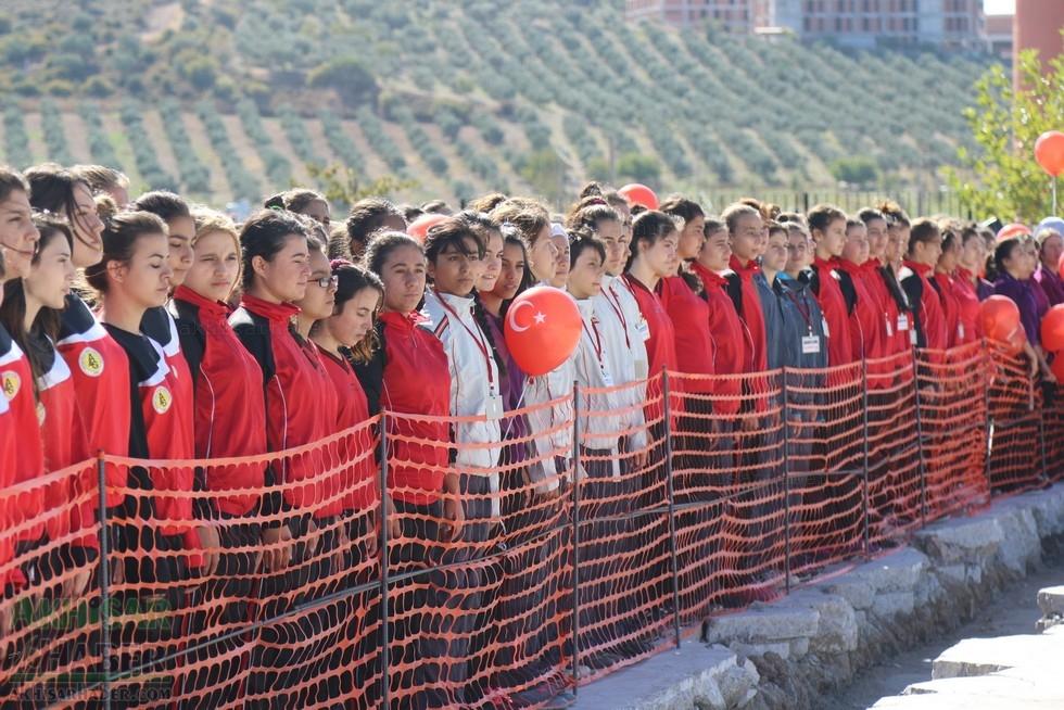 Fotoğraflarla Z.G.Ö. Kız Meslek Anadolu Lisesi Akıllı Spor Salonu Temel 44