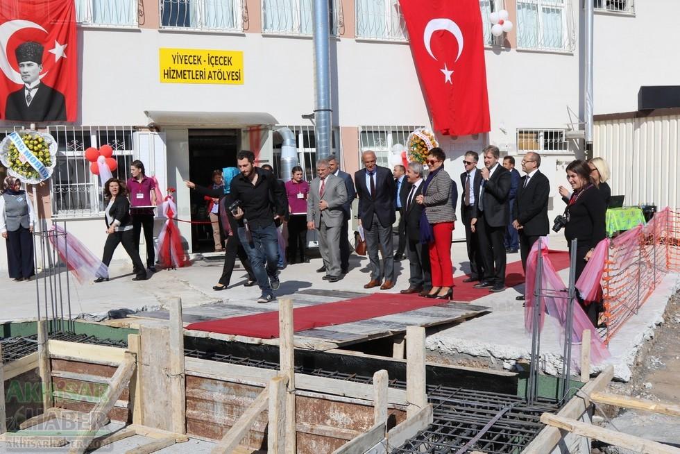 Fotoğraflarla Z.G.Ö. Kız Meslek Anadolu Lisesi Akıllı Spor Salonu Temel 67