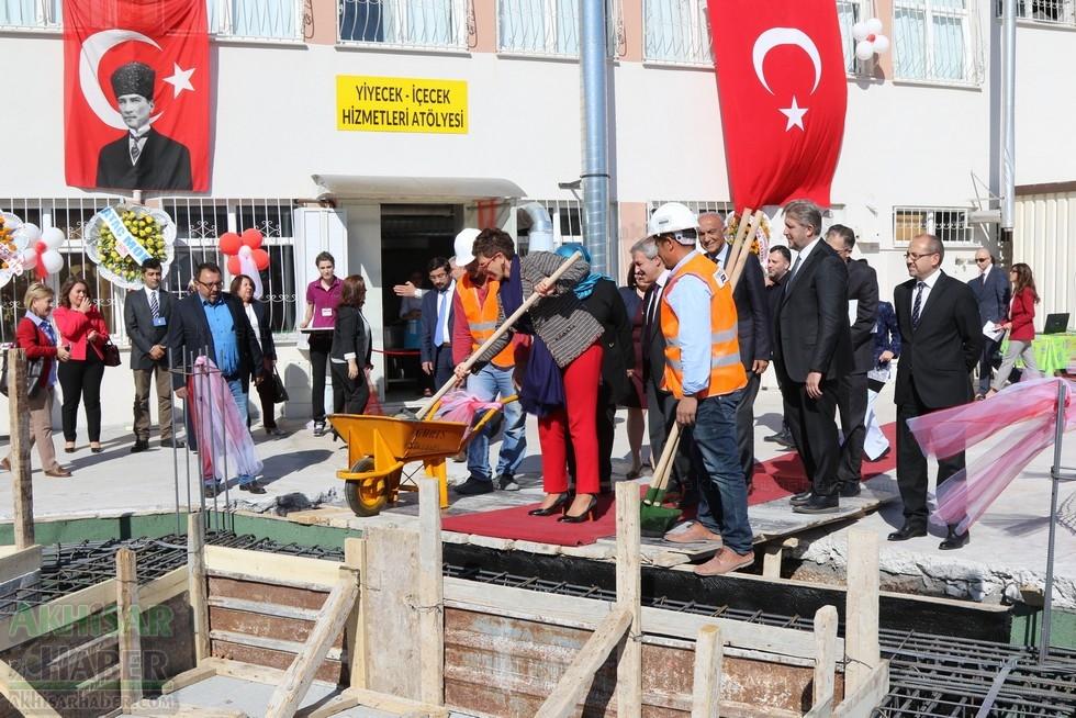 Fotoğraflarla Z.G.Ö. Kız Meslek Anadolu Lisesi Akıllı Spor Salonu Temel 70