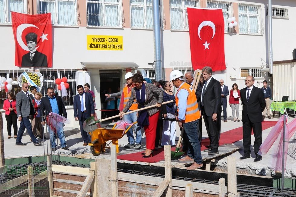 Fotoğraflarla Z.G.Ö. Kız Meslek Anadolu Lisesi Akıllı Spor Salonu Temel 72