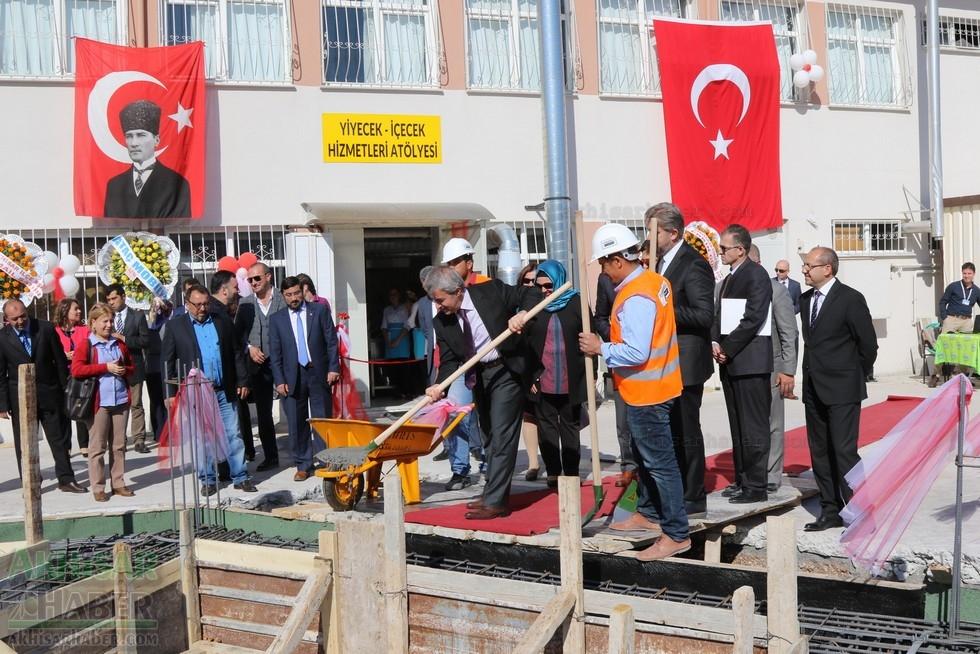 Fotoğraflarla Z.G.Ö. Kız Meslek Anadolu Lisesi Akıllı Spor Salonu Temel 74