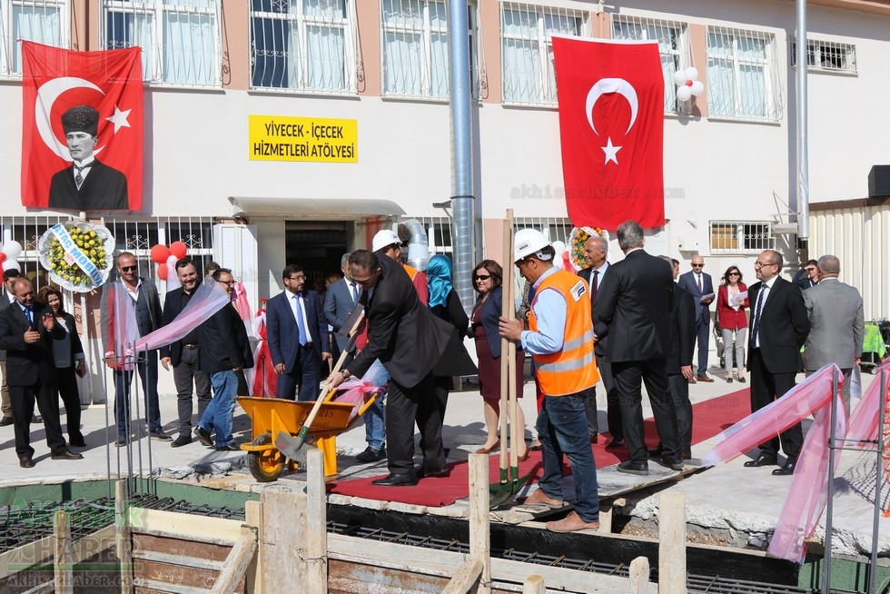 Fotoğraflarla Z.G.Ö. Kız Meslek Anadolu Lisesi Akıllı Spor Salonu Temel 82