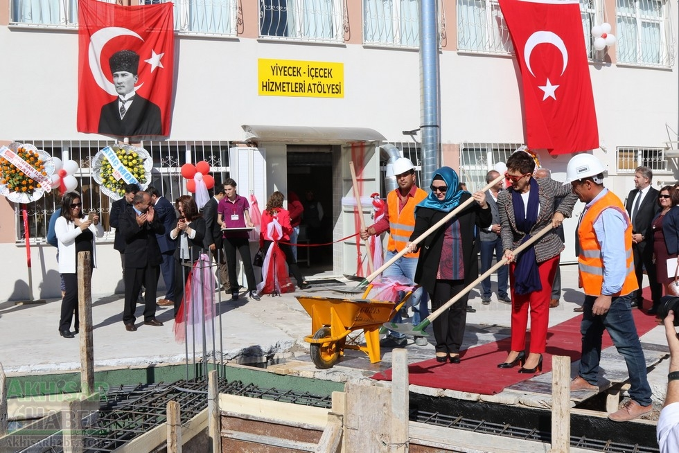 Fotoğraflarla Z.G.Ö. Kız Meslek Anadolu Lisesi Akıllı Spor Salonu Temel 89