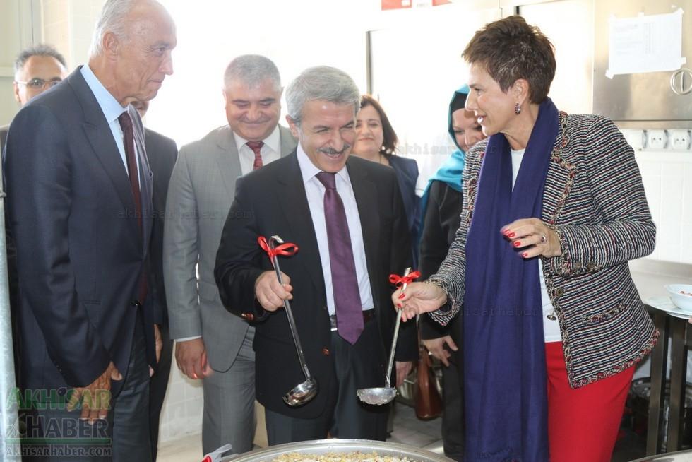 Fotoğraflarla Z.G.Ö. Kız Meslek Anadolu Lisesi Akıllı Spor Salonu Temel 97