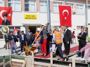 Fotoğraflarla Z.G.Ö. Kız Meslek Anadolu Lisesi Akıllı Spor Salonu Temel