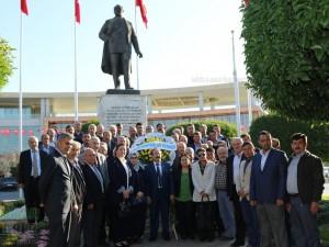 Fotoğraflarla Akhisar'da Muhtarlar Günü Milli Egemenlik Meydanı Ata