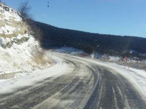 Demirci güne karla başladı