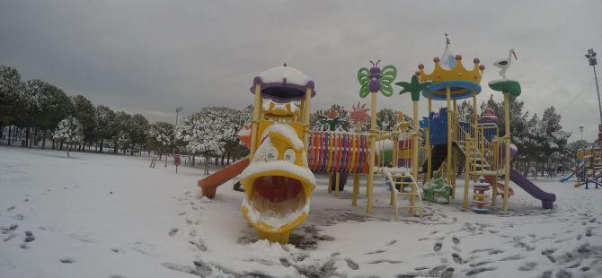 Akhisar'dan çeşitli kar manzaraları