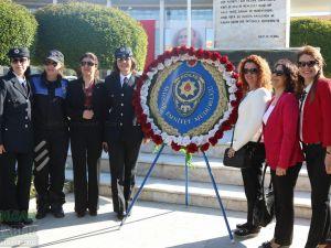 10 Nisan Polis Haftası kutlama etkinlikleri Atatürk anıtına çelenk sunma