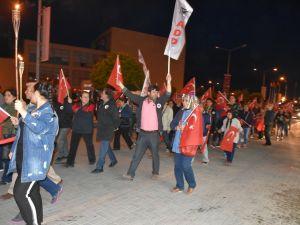 Akhisar Atatürkçü Düşünce Derneği 19 Mayıs Fener Alayı
