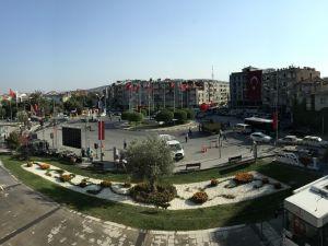 Akhisar Milli Egemenlik Meydanında 15 Temmuz hazırlıkları