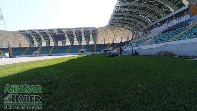 Stadyumda çim serimi devam ediyor 1