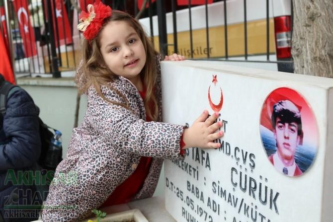 Akhisar'da 18 Mart Şehitler Günü ve Çanakkale Zaferinin 103.Yılı 1