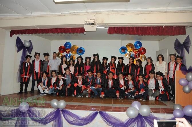 Akhisar Gazi Ortaokulunda mezuniyet töreni kutlandı 1
