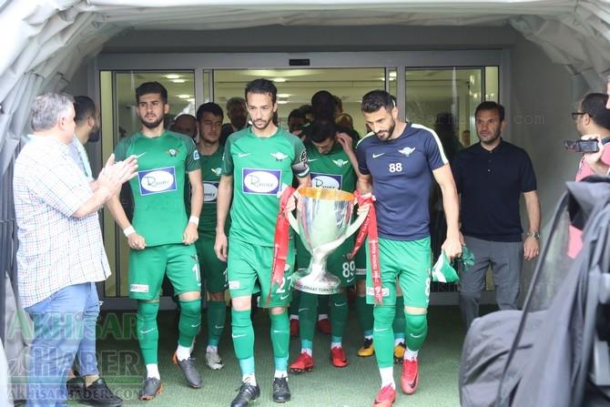 Akhisarspor, Ziraat Türkiye Kupası ile sahada taraftarı selamladı 1