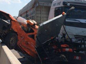 Akhisar'da meydana gelen trafik kazası görenleri şaşırttı
