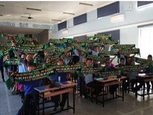 Ülkü Ortaokulundan Akhisarspor'a destek