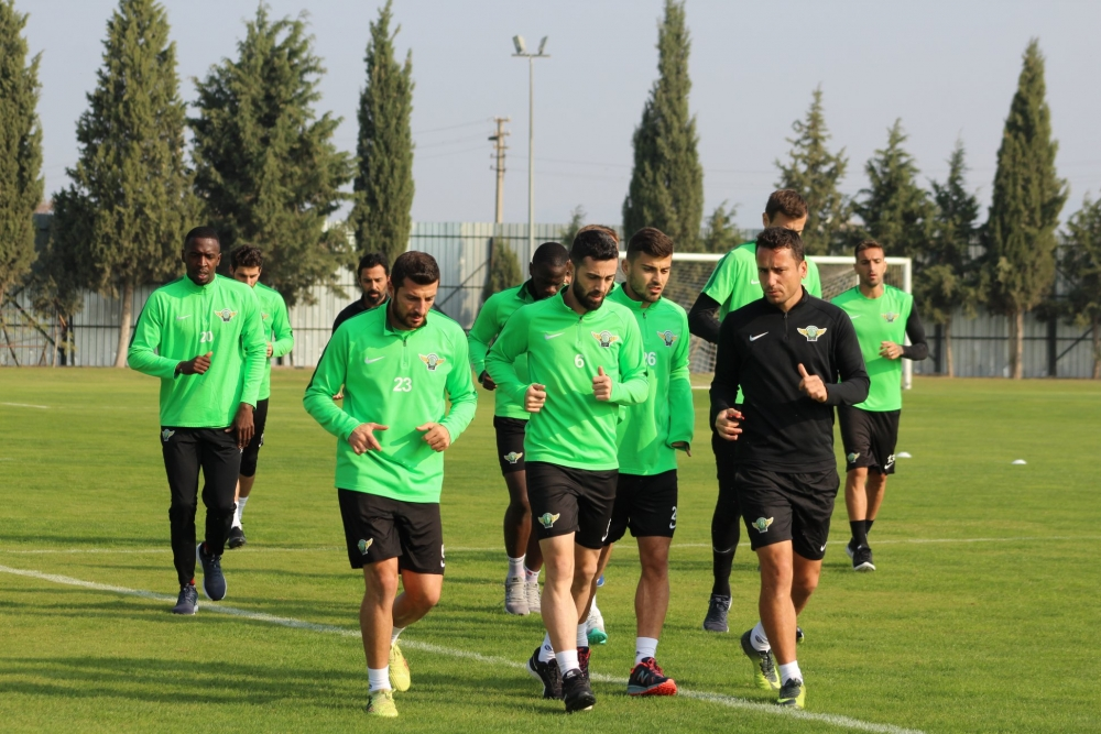 Akhisarspor, Sevilla maçı ardından Antalyaspor maçı hazırlıklarına ara v 1