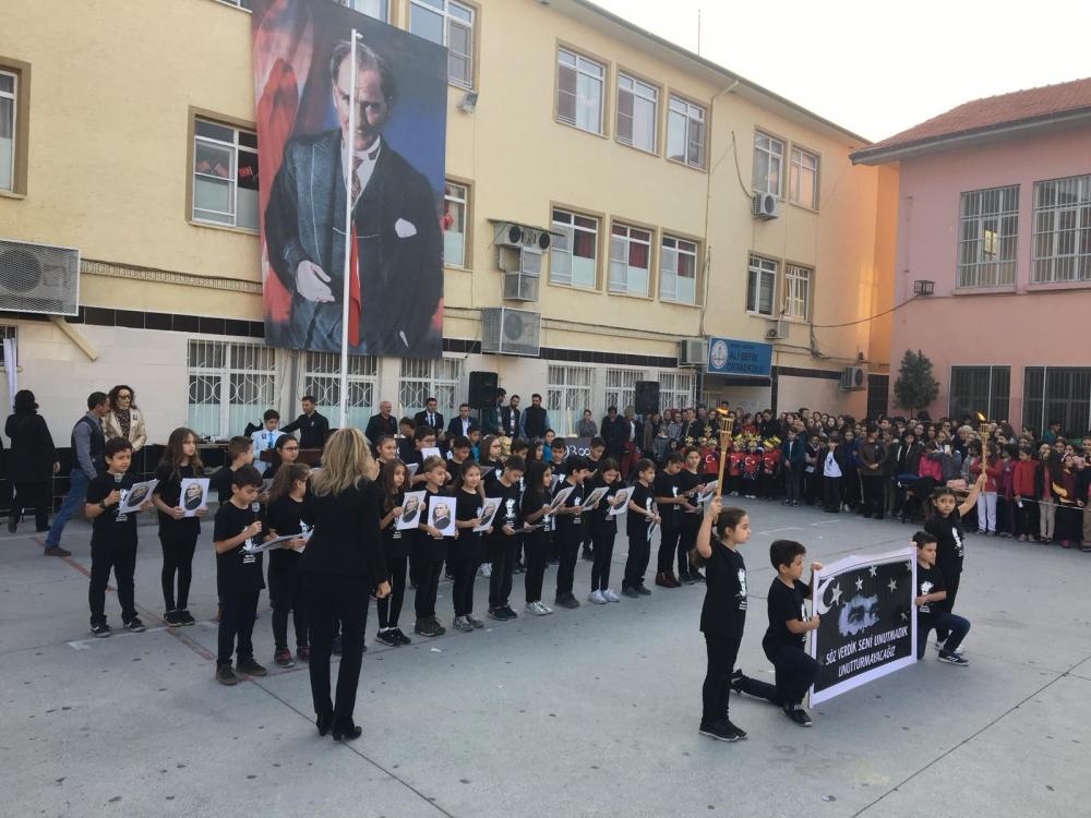 Misak-ı Milli İlkokulu Ali Şefik Ortaokulu'ndan muhteşem 10 Kasım t 1