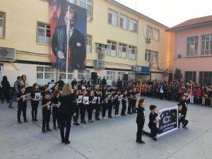 Misak-ı Milli İlkokulu Ali Şefik Ortaokulu'ndan muhteşem 10 Kasım t