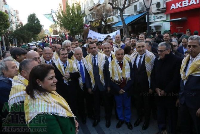 Akhisar'da Dünya zeytin Günü yürüyüşü renkli görüntülere sahne oldu 1