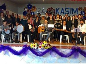 Gazi Ortaokulundan muhteşem Öğretmenler Günü kutlaması