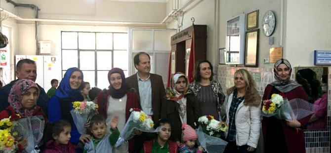 Akhisar A. Vehbi Bakırlıoğlu (Gazi) İlkokulu Engelliler Gününde farkında