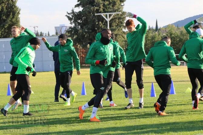 Akhisarspor, Standart Liege maçı hazırlıklarını tamamladı, Cihat Arslan  1